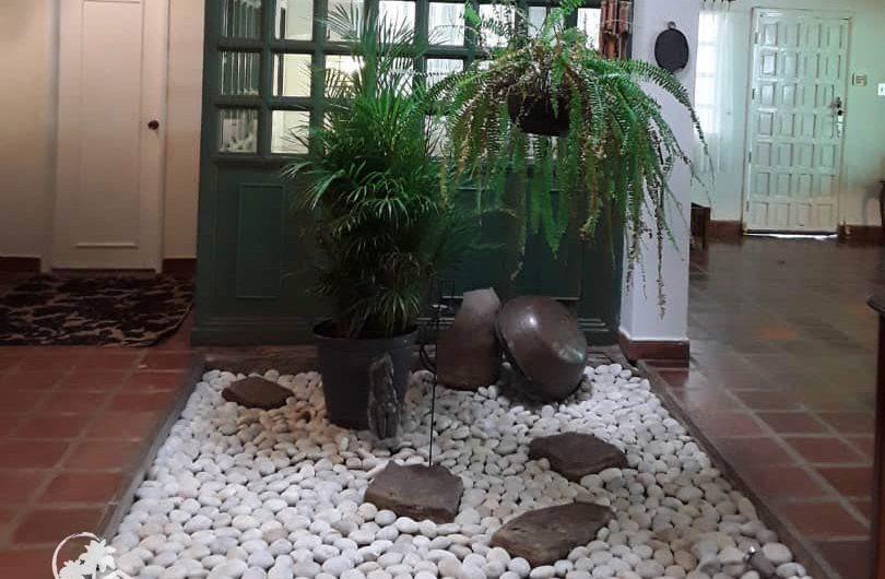 casa-venta-urbanizacion-maneiro-jardin-interno